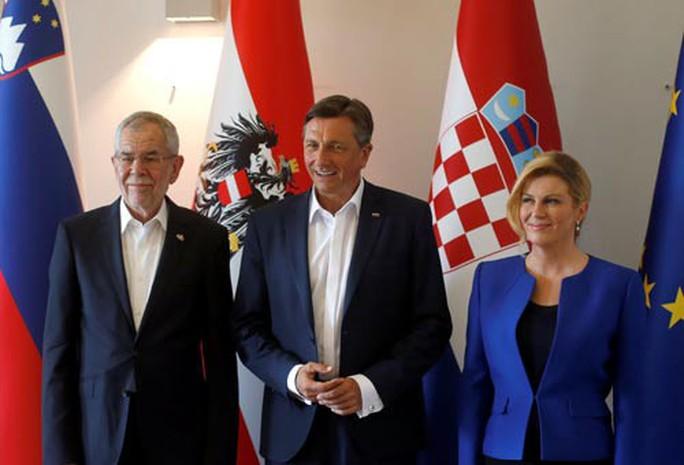 Nữ tổng thống mê bóng đá của Croatia - Ảnh 1.