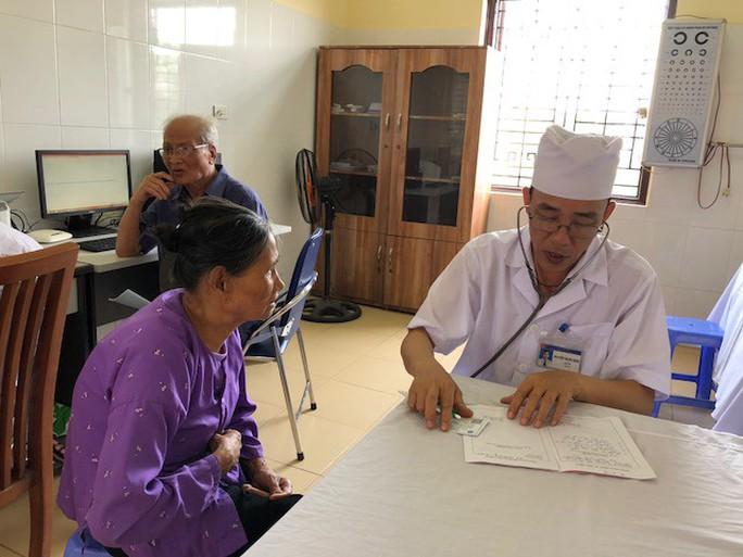 Bộ trưởng Nguyễn Thị Kim Tiến lý giải vì sao người dân vẫn chê y tế cơ sở - Ảnh 2.