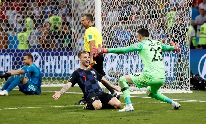 Trúng thưởng trận Nga – Croatia vì đoán đúng tỉ số lẫn câu hỏi phụ - Ảnh 1.