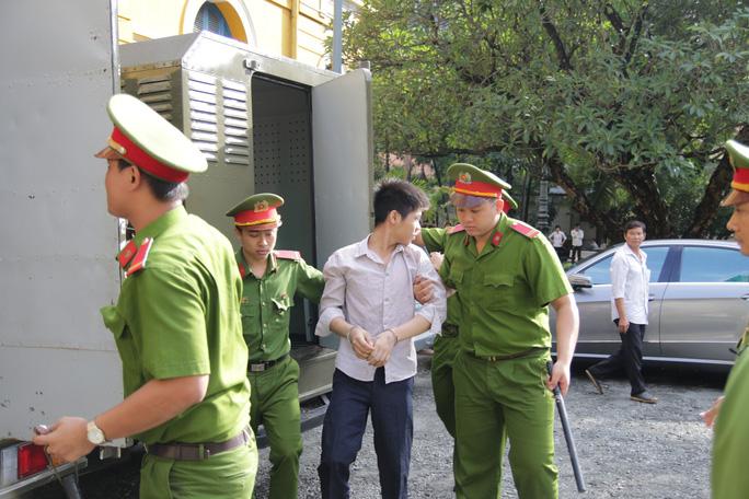 Tuyên tử hình kẻ thảm sát 5 người trong một gia đình ở Bình Tân - Ảnh 3.