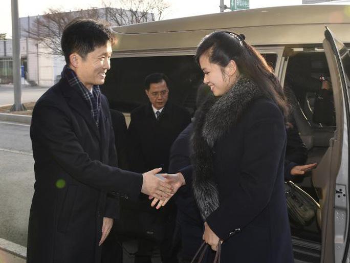 Cô gái trên yên chiến mã Triều Tiên gây sốt tại Hàn Quốc - Ảnh 1.