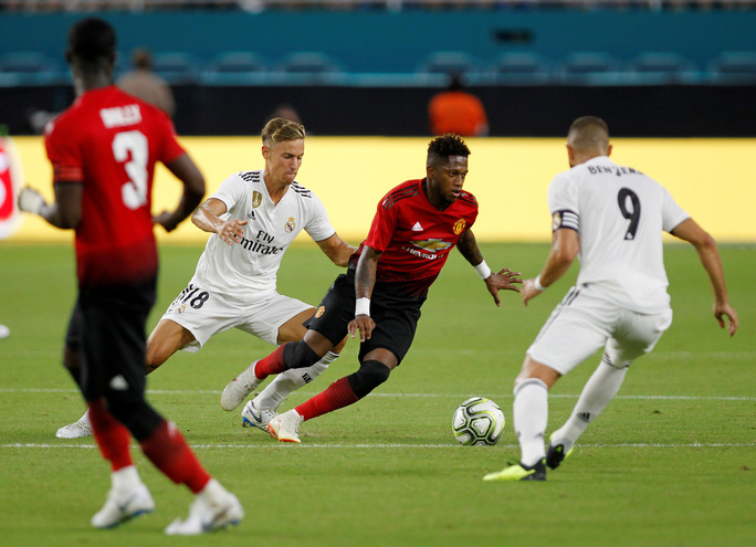 Real Madrid thua ngay trận ra mắt tân HLV Lopetegui - Ảnh 5.