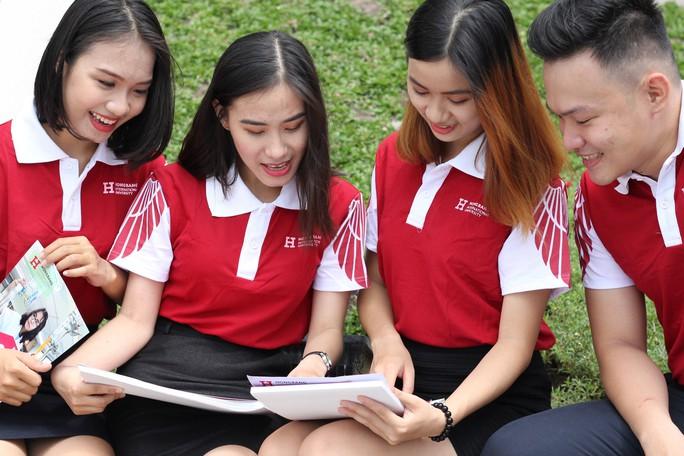 20 tỉ đồng học bổng dành cho tân sinh viên  - Ảnh 1.