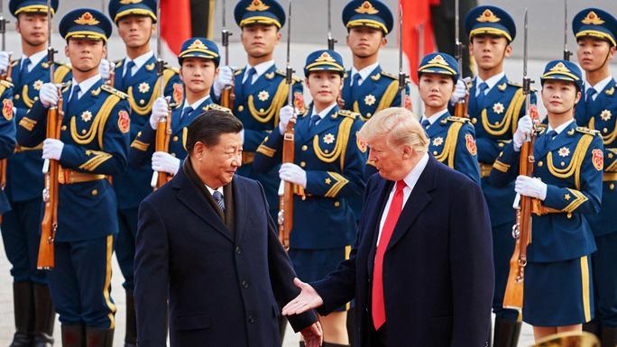 Ông Trump nhắm cú đấm thuế sốc với hàng Trung Quốc - Ảnh 1.