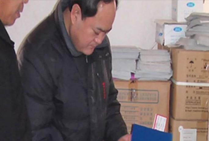 Trung Quốc: Quan chức chịu trách nhiệm vụ vắc-xin giả tự tử - Ảnh 1.