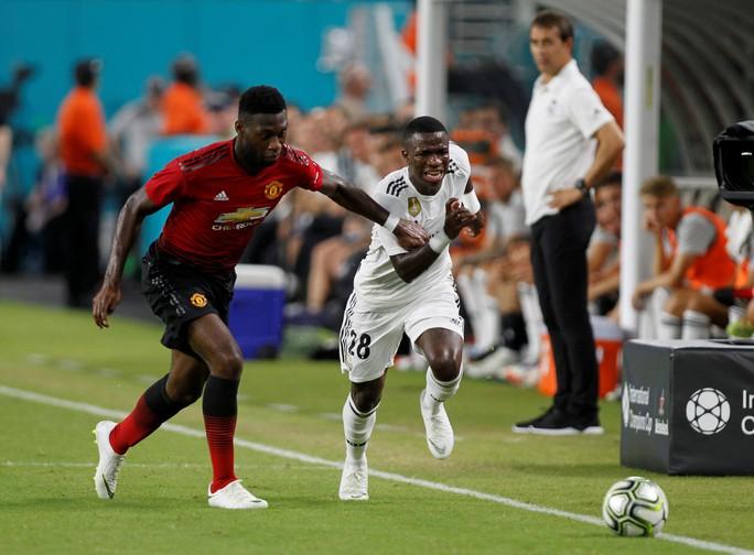 Real Madrid thua ngay trận ra mắt tân HLV Lopetegui - Ảnh 2.