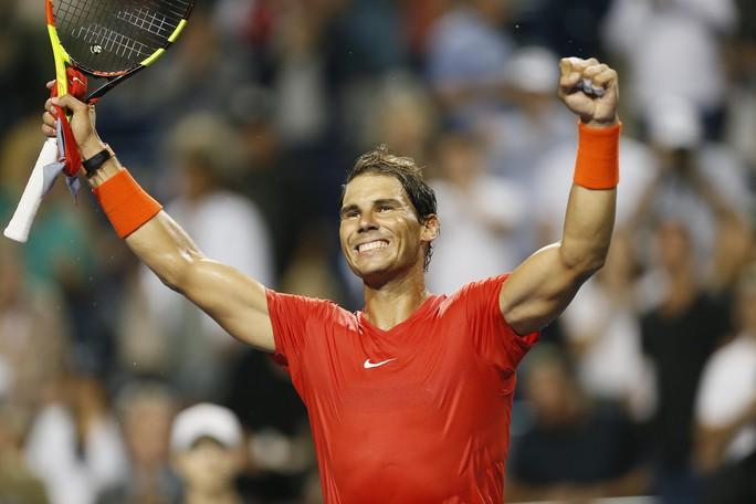 Nadal vào tứ kết Rogers Cup, Djokovic đập vợt vì bị loại - Ảnh 5.