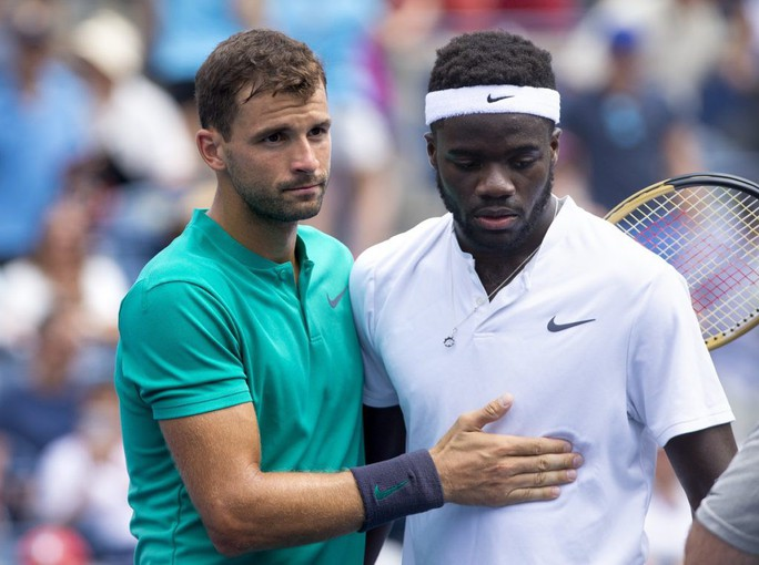 Nadal vào tứ kết Rogers Cup, Djokovic đập vợt vì bị loại - Ảnh 4.