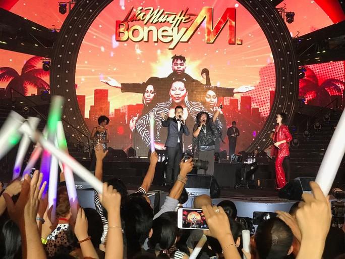 Lửa mùa hè với  Boney M tại Nha Trang - Ảnh 3.