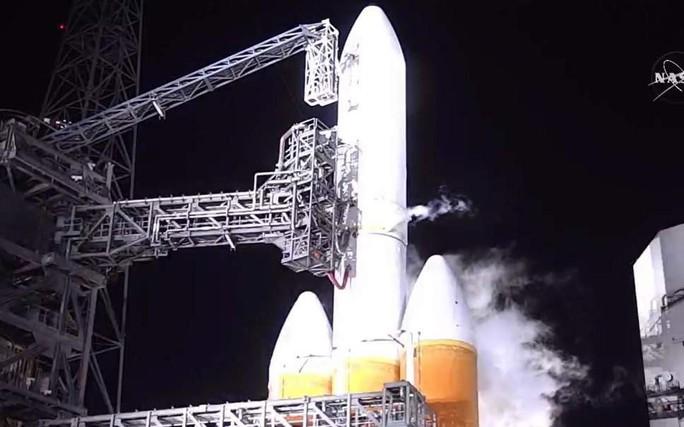 Tàu vũ trụ của NASA hủy cất cánh vào phút chót - Ảnh 1.