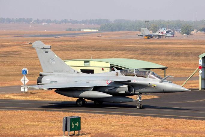 Chiến đấu cơ Rafale của Không quân Pháp lần đầu thăm Việt Nam - Ảnh 1.