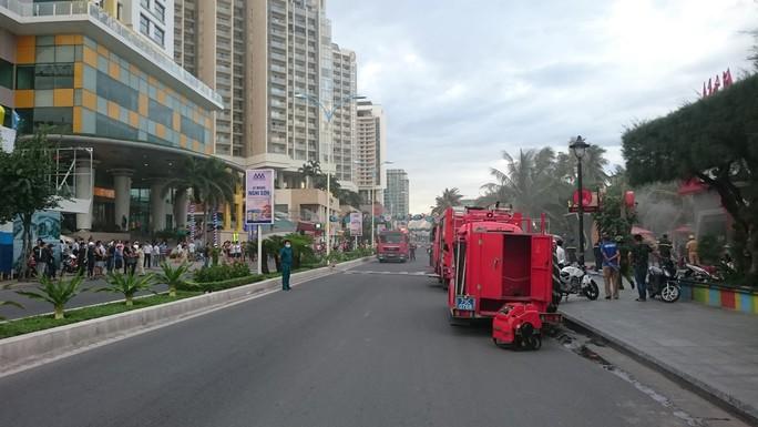 Cháy bar Z Club ở đường ven biển Trần Phú, TP Nha Trang - Ảnh 3.
