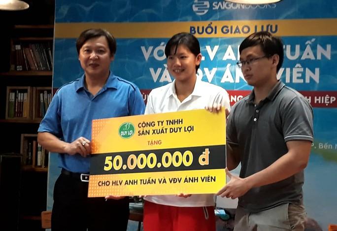 Thầy trò Ánh Viên nhận 300 triệu đồng trước thềm ASIAD - Ảnh 4.
