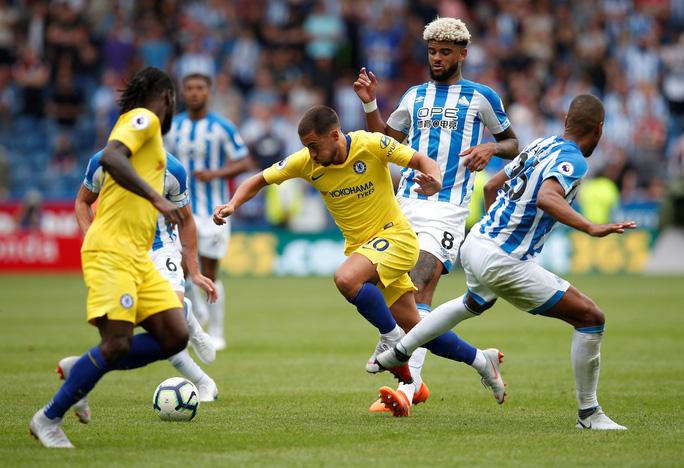 HLV Sarri thận trọng dù Chelsea thắng lớn để lên ngôi đầu  - Ảnh 7.