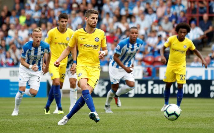 HLV Sarri thận trọng dù Chelsea thắng lớn để lên ngôi đầu  - Ảnh 5.