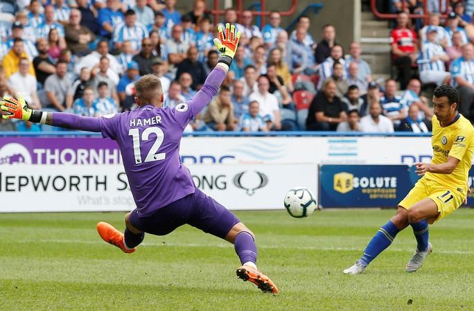 HLV Sarri thận trọng dù Chelsea thắng lớn để lên ngôi đầu  - Ảnh 6.