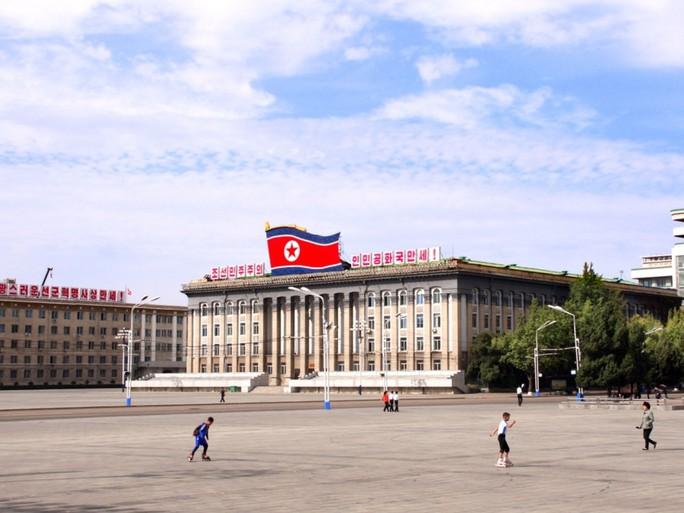 Triều Tiên bắt du khách Nhật, ngưng đón du khách Trung Quốc - Ảnh 1.