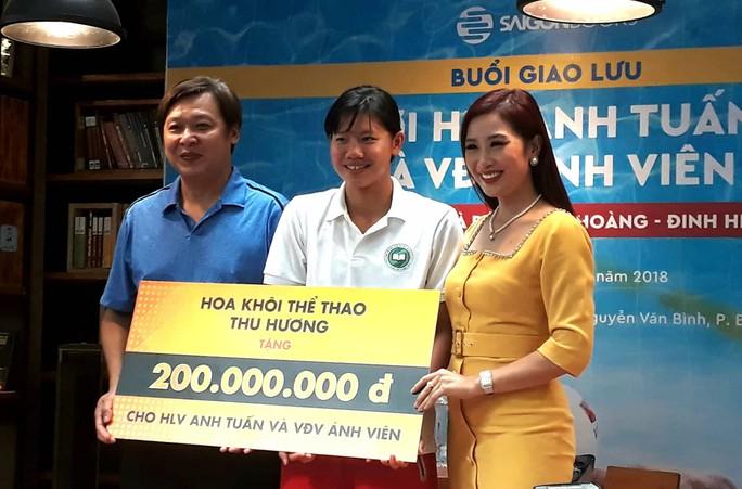 Thầy trò Ánh Viên nhận 300 triệu đồng trước thềm ASIAD - Ảnh 2.