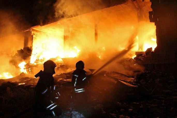 Syria: Nổ hầm vũ khí, 39 người thiệt mạng - Ảnh 1.