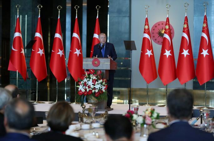 Ông Erdogan: Mỹ đâm sau lưng Thổ Nhĩ Kỳ  - Ảnh 1.