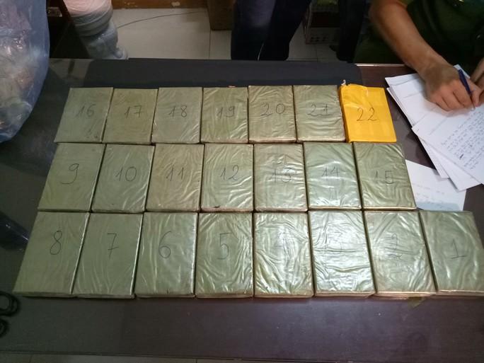 Kiều nữ chuyên dùng chiêu độc vận chuyển ma túy lớn từ Lào về Việt Nam - Ảnh 2.