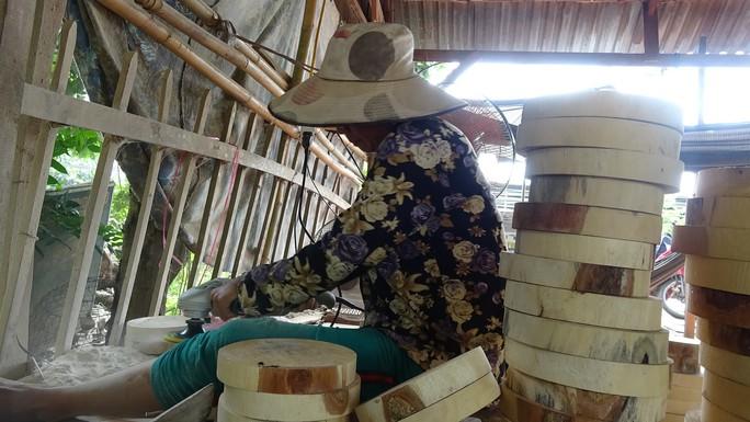 Vào làng nghề làm thớt gỗ trứ danh ở miền Tây - Ảnh 7.