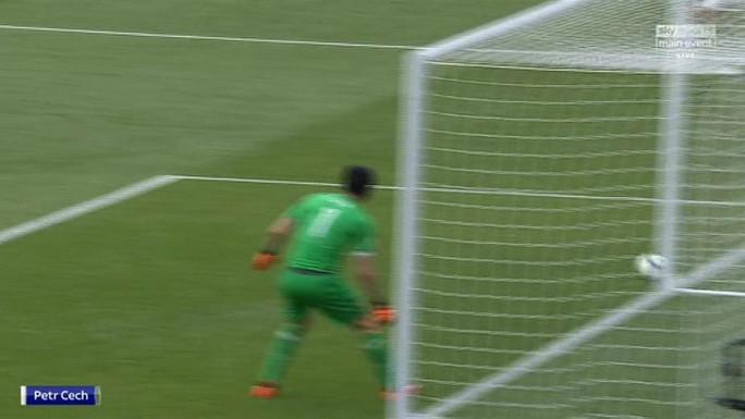 Bị CLB Leverkusen chế giễu, thủ môn Cech giận dữ - Ảnh 3.