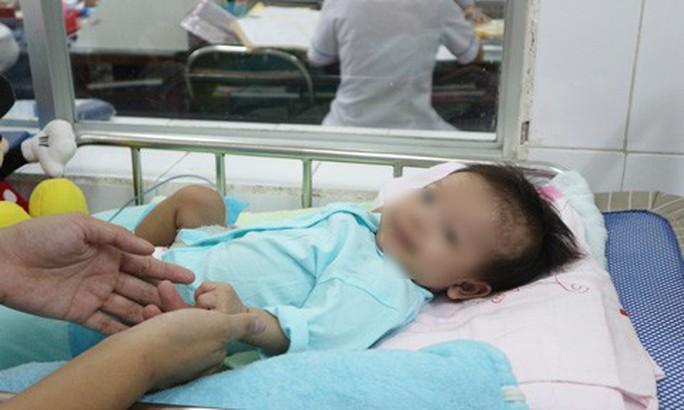 Bé gái ở Việt Nam mắc bệnh hiếm gặp nhất trên thế giới - Ảnh 1.