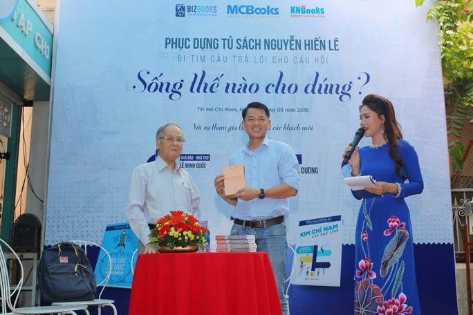 Trao bản quyền toàn bộ tủ sách Nguyễn Hiến Lê - Ảnh 3.