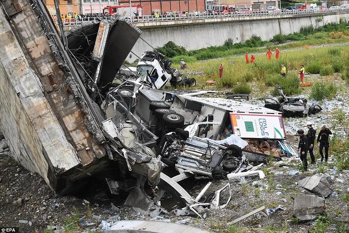 Cầu cao tốc ở Ý sập do phớt lờ cảnh báo? - Ảnh 7.