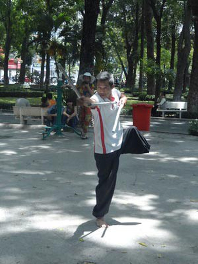 Khát vọng tỏa sáng tài năng: Nghị lực của võ sư một chân - Ảnh 2.
