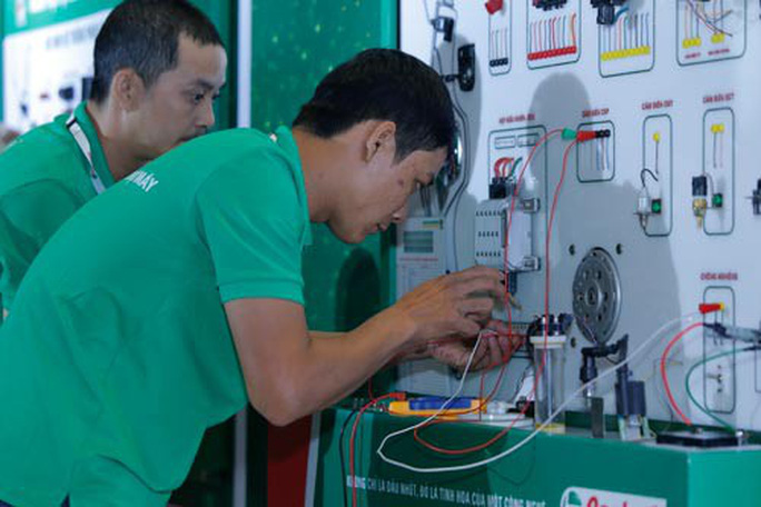 Tuyển chọn thợ máy giỏi thi tay nghề cấp châu lục - Ảnh 1.