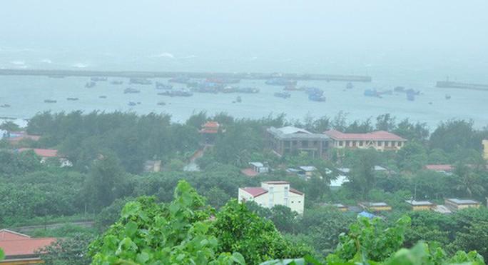 Bão số 4 có xu hướng di chuyển chậm lại, đe dọa Quảng Ninh - Nghệ An - Ảnh 3.