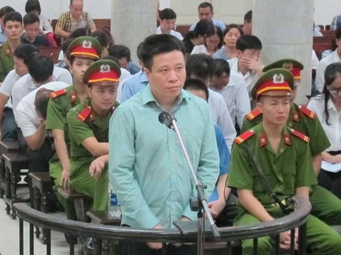 Cưỡng chế kê biên hơn 72 triệu cổ phiếu của ông Hà Văn Thắm - Ảnh 1.