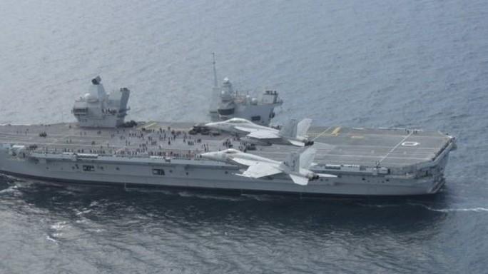 Tàu chiến khủng của Anh tới Mỹ tập trận với siêu chiến đấu cơ - Ảnh 2.