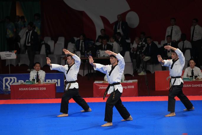 ASIAD: Ngày đẹp của bóng đá; taekwondo, bắn súng giành 2 HCĐ - Ảnh 5.