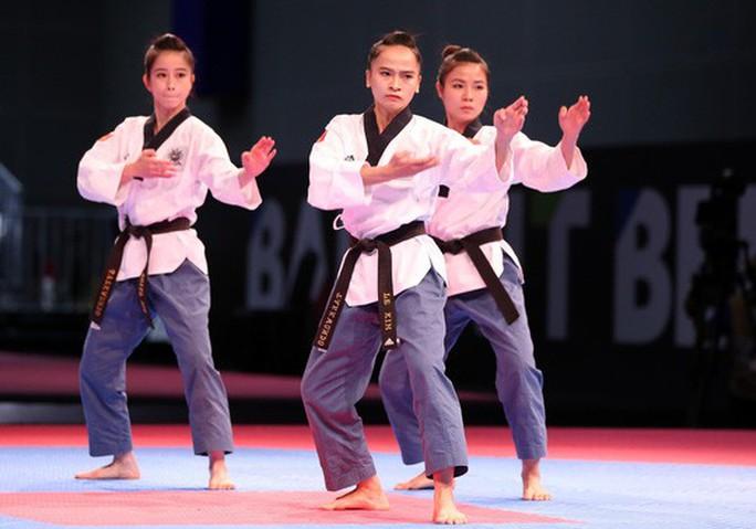 ASIAD: Ngày đẹp của bóng đá; taekwondo, bắn súng giành 2 HCĐ - Ảnh 3.