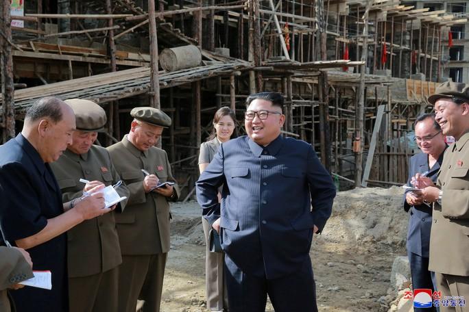Ecuador bất ngờ tôn vinh ông Kim Jong-un là công dân danh dự - Ảnh 1.