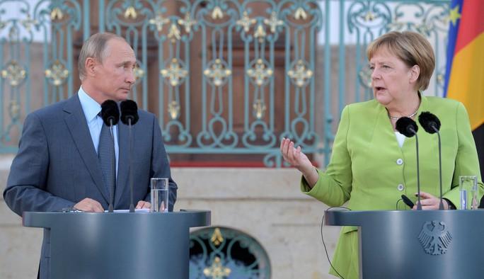 Ông Putin và bà Merkel bàn bạc gì bên ngoài Berlin? - Ảnh 6.