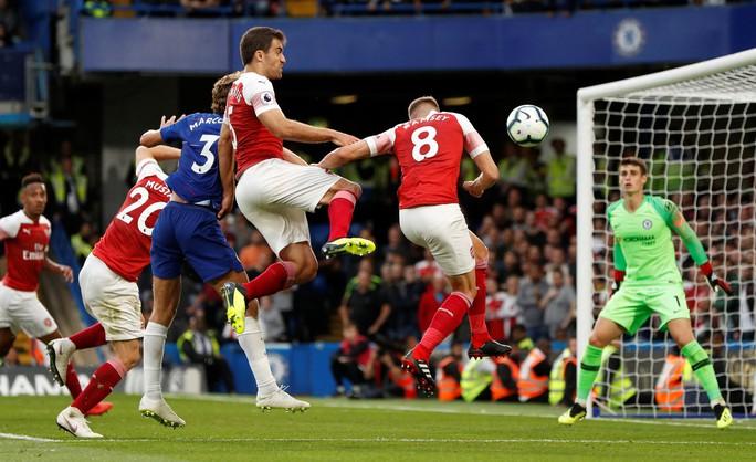 Thua Chelsea, vua săn danh hiệu Emery khởi đầu tệ tại Arsenal - Ảnh 6.