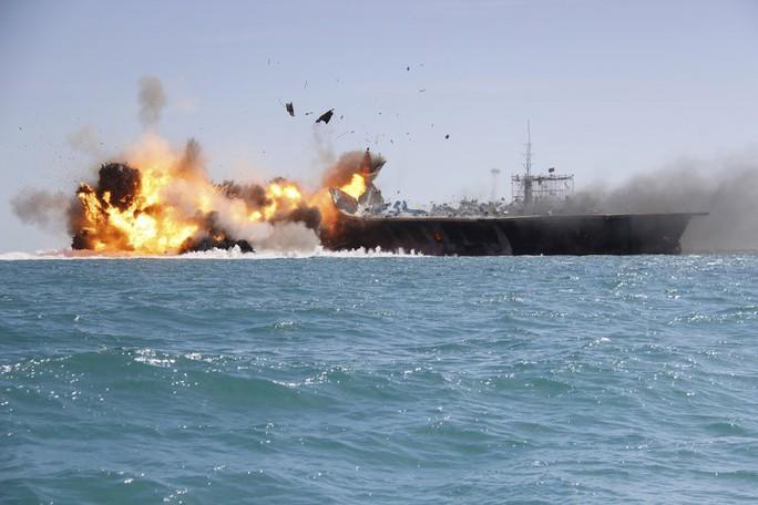 Israel dọa tấn công nếu Iran chặn eo biển quan trọng - Ảnh 3.