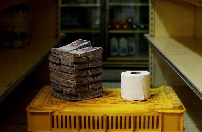 Mất giá khủng như tiền Venezuela: 1 kg thịt giá 9,5 triệu bolivar! - Ảnh 11.