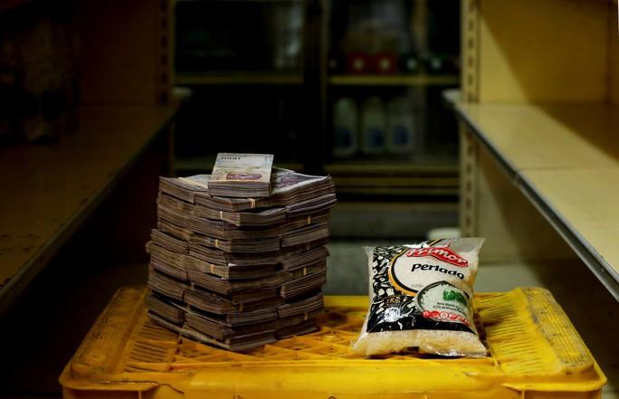 Mất giá khủng như tiền Venezuela: 1 kg thịt giá 9,5 triệu bolivar! - Ảnh 10.