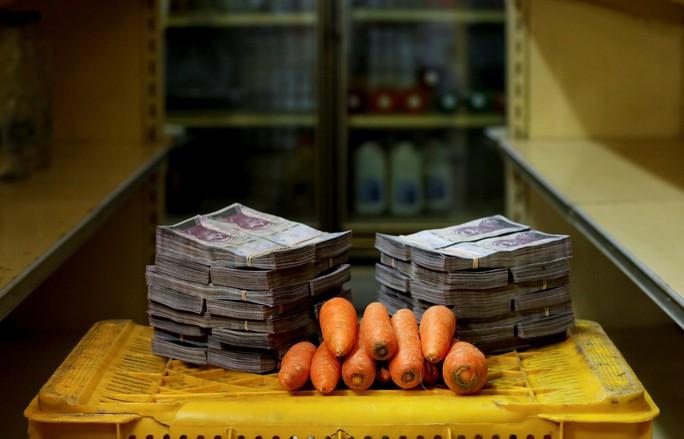 Mất giá khủng như tiền Venezuela: 1 kg thịt giá 9,5 triệu bolivar! - Ảnh 5.