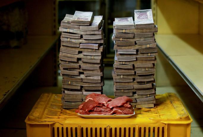 Mất giá khủng như tiền Venezuela: 1 kg thịt giá 9,5 triệu bolivar! - Ảnh 4.