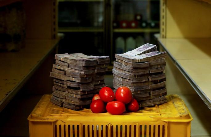 Mất giá khủng như tiền Venezuela: 1 kg thịt giá 9,5 triệu bolivar! - Ảnh 3.