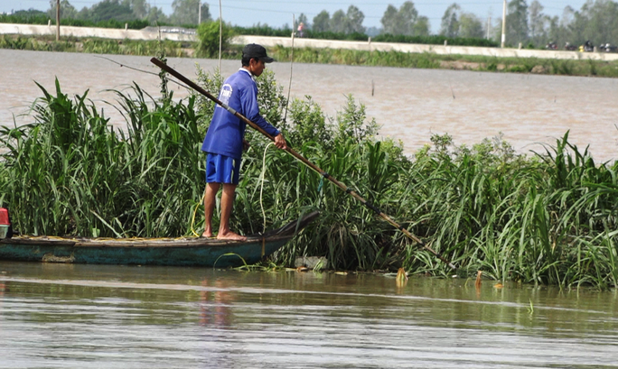 Khai thác nguồn lợi thủy sản mùa nước nổi mang tính tận diệt - Ảnh 4.