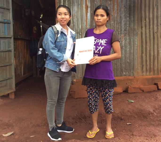 Bạn đọc Báo Người Lao Động hỗ trợ cô gái bị Nga vọc tra tấn dã man - Ảnh 2.