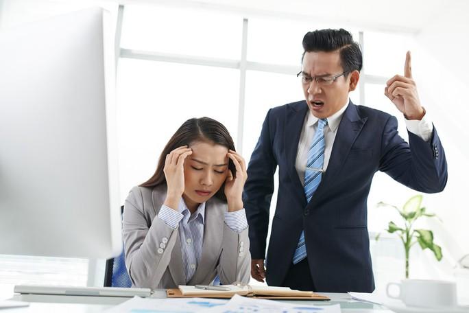 4 biểu hiện sếp không hài lòng về công việc của bạn - Ảnh 2.