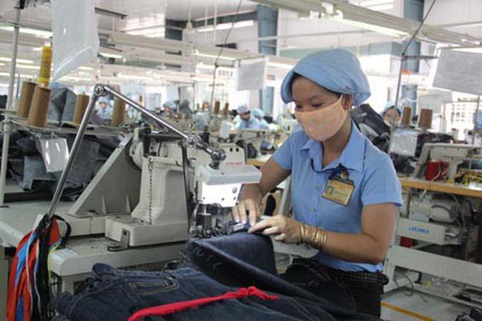 Tăng giờ làm thêm: Công nhân tái tạo sức lao động kiểu gì? - Ảnh 1.
